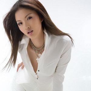Elle Choi(小雪)